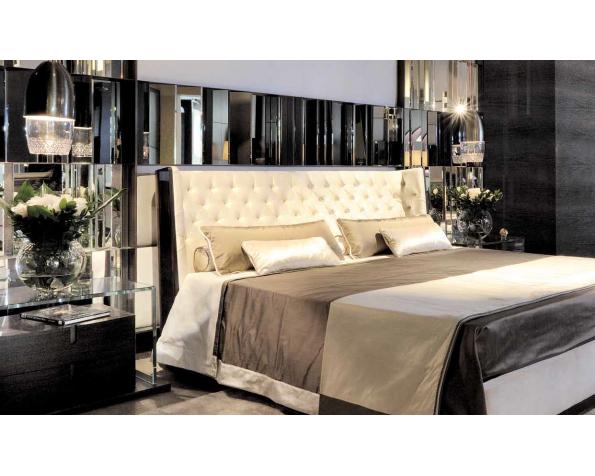 Nisha Wood Tuft bed glossy