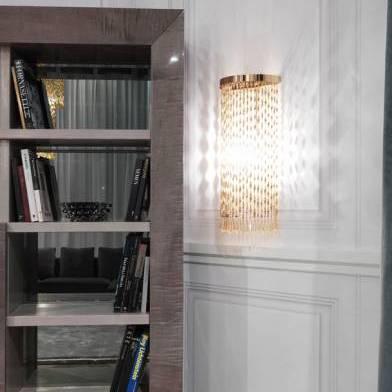 Snake wall lamp