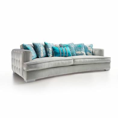 Kolossal curved sofa
