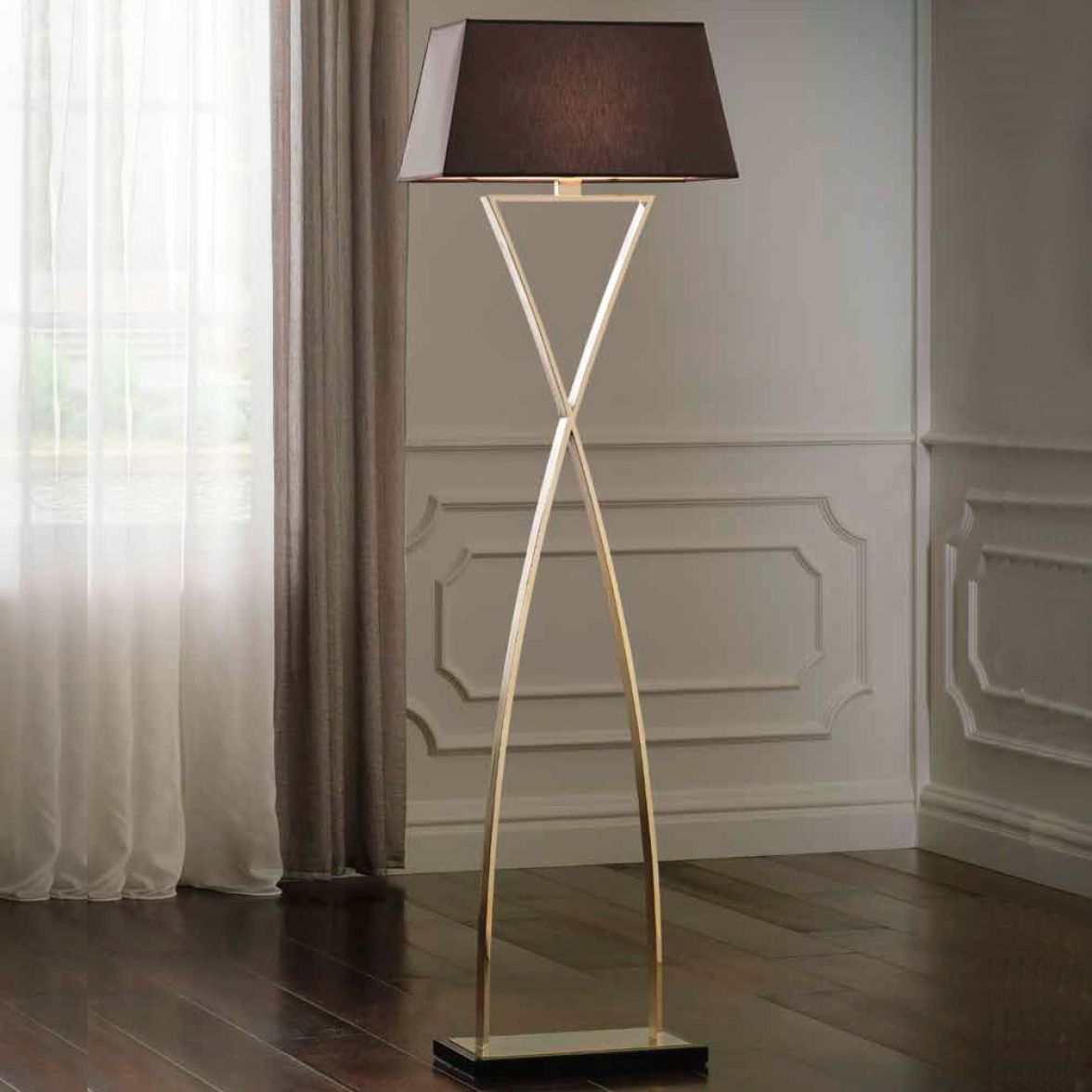 Chloe floor lamp