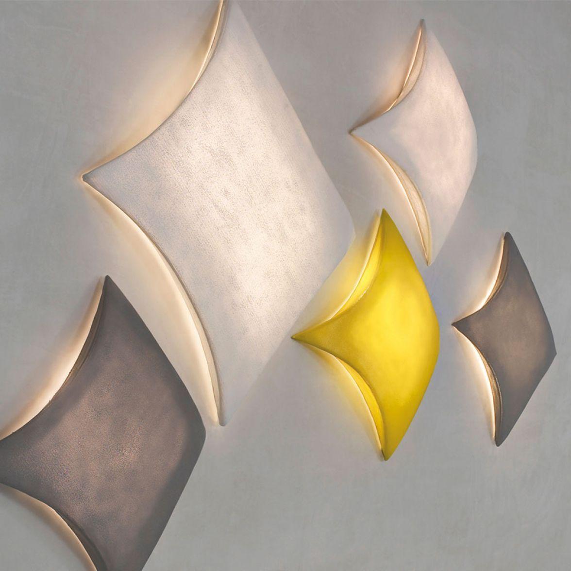 Kite wall lamp