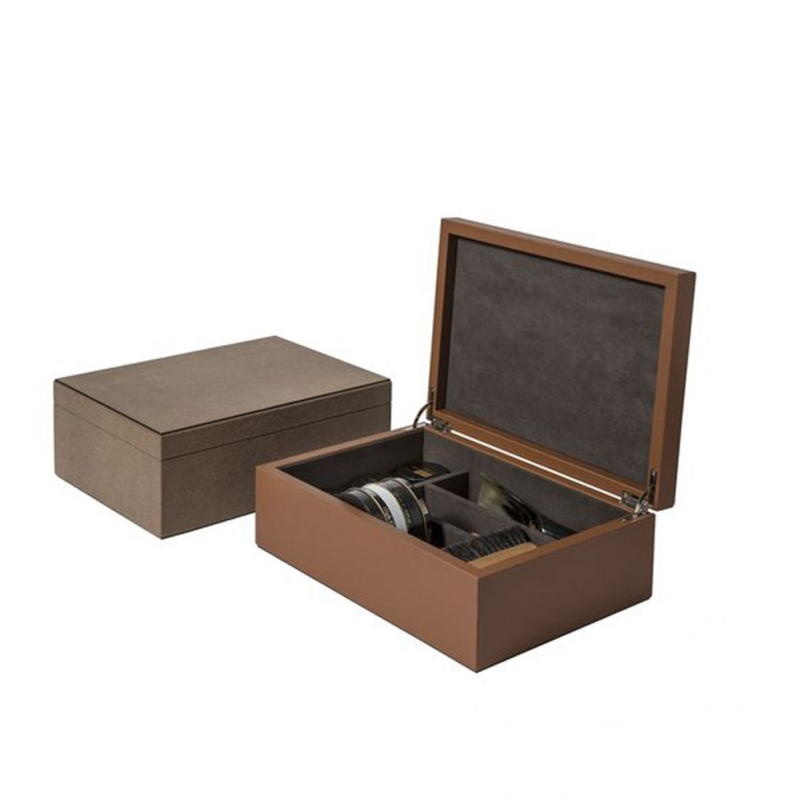 Shoe shining kit  in leather box