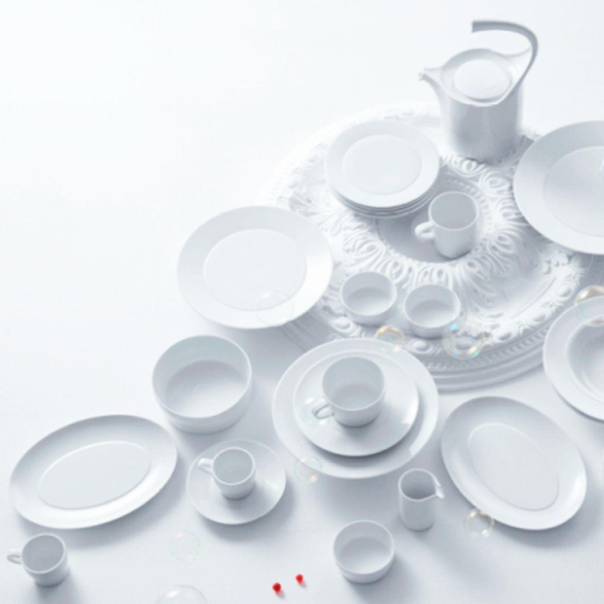 Aurpole White table service