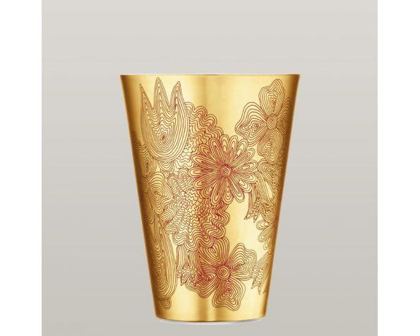 Les fleurs sur or vase