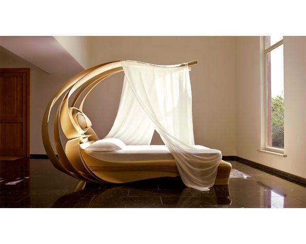 Enignum VI Canopy Bed Chatsworth