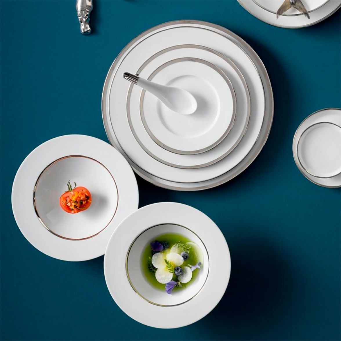 TREASURE PLATINUM table service