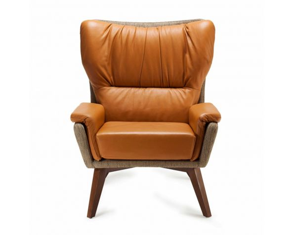 Closer Armchair