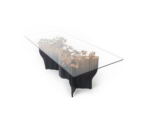 Vivo dining table