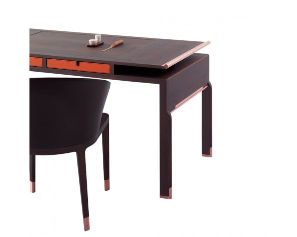 Deon desk
