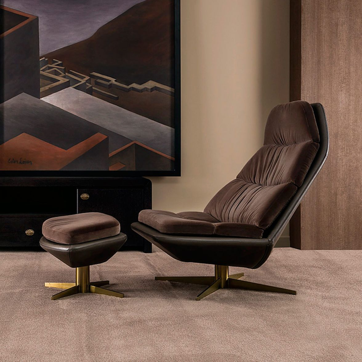 BLAS armchair with pouf