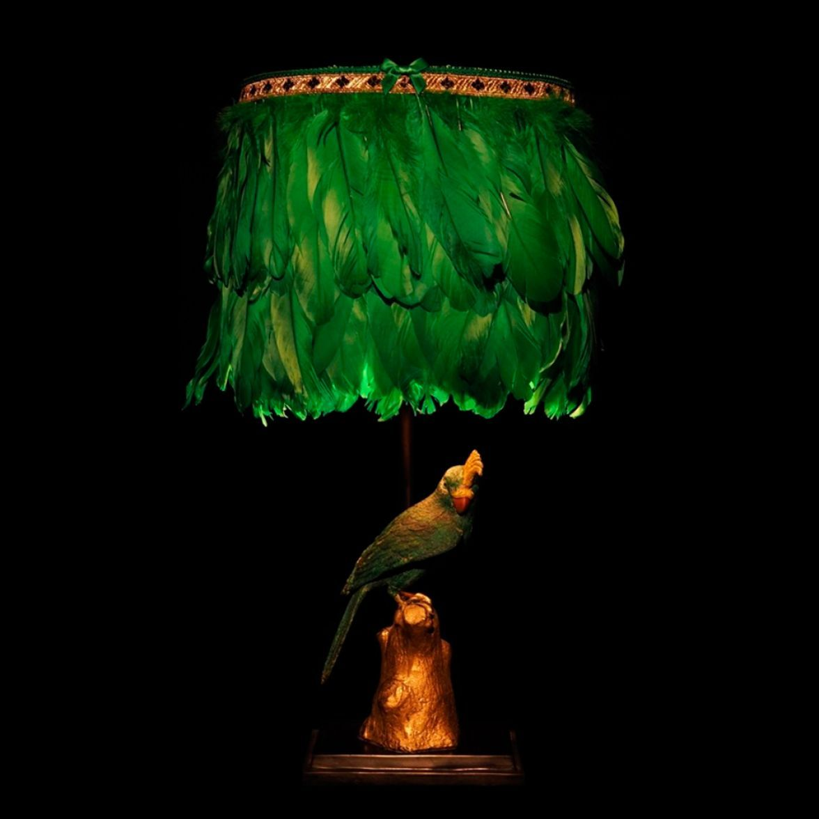 Dirty speaking parrot Table lamp